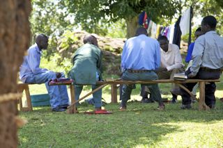 Africa_tribe_discussion_under_tree